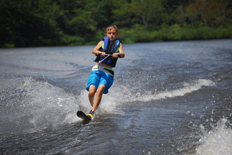 LYP skiing