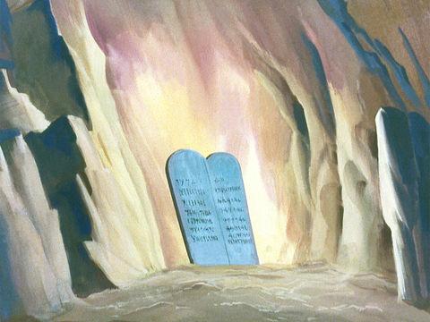 043-moody-moses-commandments